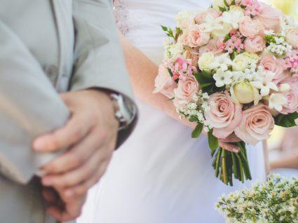 Saiba quanto oferecer de prenda de casamento
