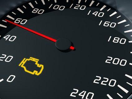 Luz do motor acesa: o que devo fazer