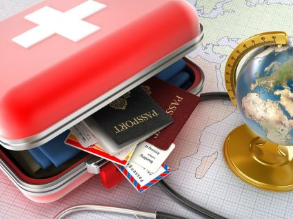 10 produtos essenciais para viajar com saúde