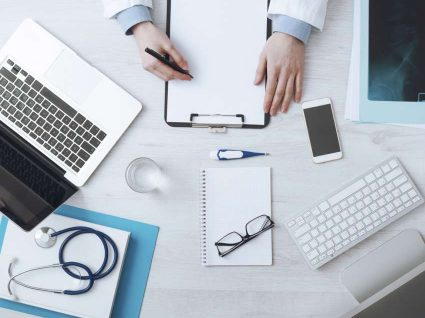 Precisa de um médico em sua casa? Use a Knok