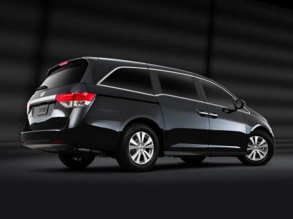Os 4 melhores carros para famílias numerosas
