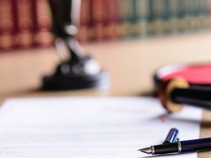 Minuta de contrato de trabalho a termo incerto: veja o nosso exemplo