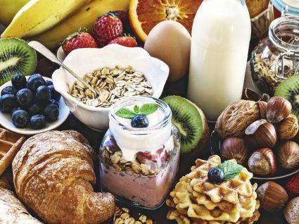 7 mitos sobre comida que precisa saber