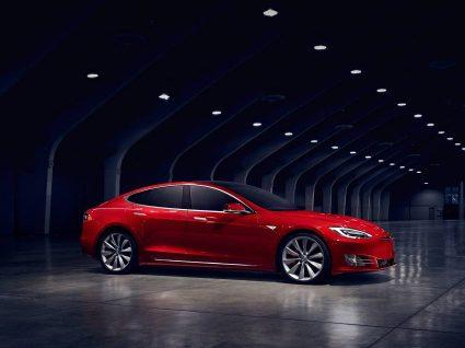 Model S 100D é o elétrico com maior autonomia