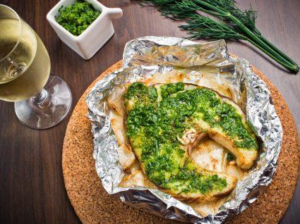 Duas receitas com molho pesto para complementar os seus pratos preferidos