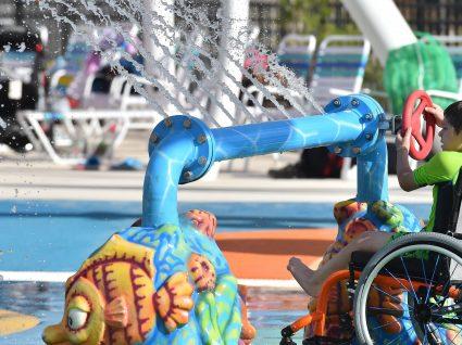 Inaugurado primeiro parque aquático para crianças com deficiência