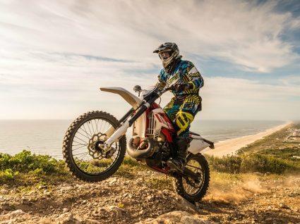 Portugal junta 1500 motociclistas na descoberta de tesouros turísticos