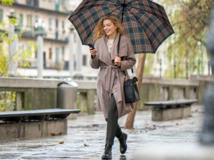4 truques de estilo para estar bonita mesmo quando chove (sem parar)
