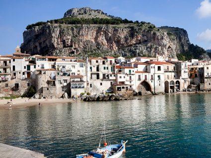 Na Sicília, há casas à venda por um euro!