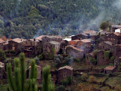 Talasnal: casas para alugar no retiro do Xisto