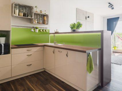 Criar uma despensa em cozinhas pequenas: 5 dicas