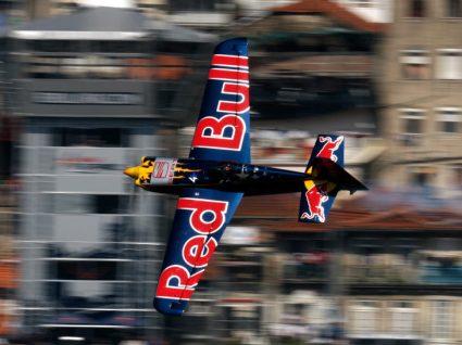 Red Bull Air Race: 8 anos depois, o regresso ao Porto