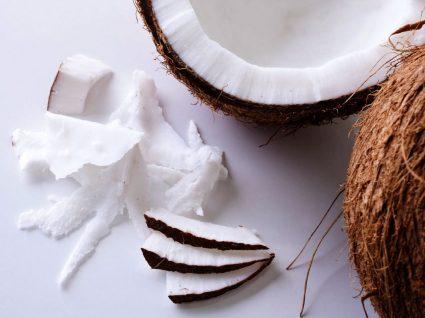 4 benefícios do óleo de côco para cabelo
