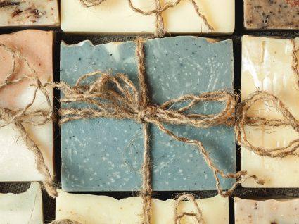 Como fazer sabonete artesanal: ingredientes e receita