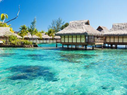 6 bungalows aquáticos que vão redefinir a sua ideia de paraíso