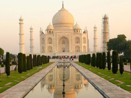 Índia vai limitar visitas diárias ao Taj Mahal