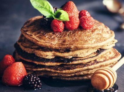 3 receitas de panquecas fitness repletas de fibra e sabor