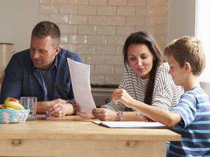 5 dicas sobre como ensinar o seu filho a estudar sozinho