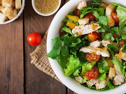 Aprender a cozinhar: o passo a passo da salada