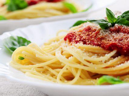 Receitas com esparguete: 3 pratos de chorar por mais