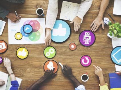 Conheça a formação em Relações Públicas e Marketing na Master.D