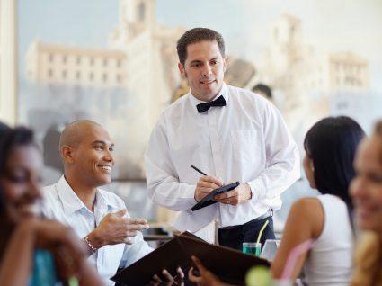 Ofertas para empregado de mesa em todo o país