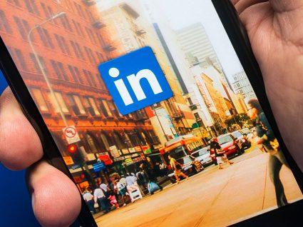 Como elaborar o seu perfil LinkedIn desempregado