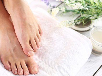 12 dicas para manter os seus pés bonitos e saudáveis