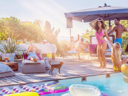 6 essenciais para uma festa de piscina