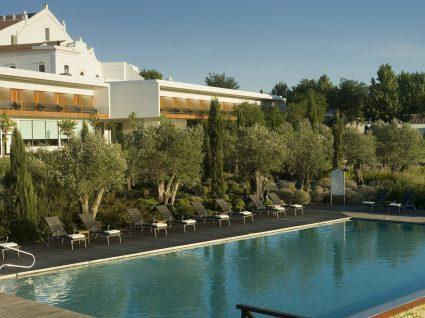 Convento do Espinheiro – conheça o novo hotel pet friendly português