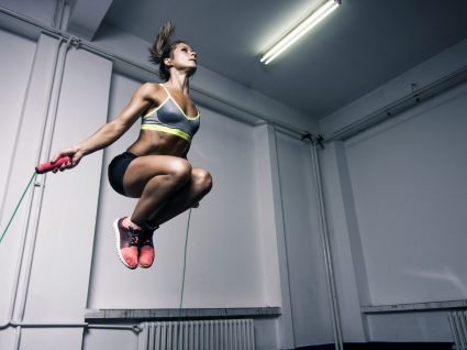 10 maneiras de poupar na mensalidade do ginásio
