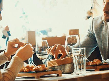 7 dicas para poupar quando vai jantar fora