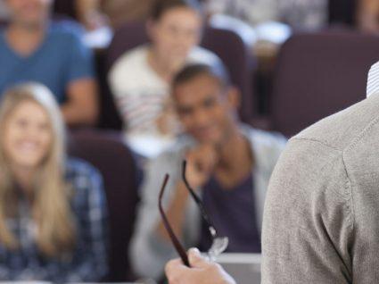 Saiba qual o salário de um professor universitário em Portugal