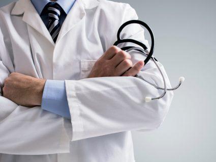 Profissionais de saúde voltam a ter horas extras