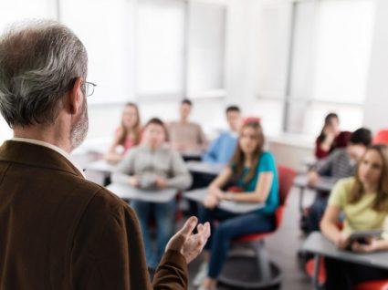 Progressão na carreira docente: 5 dúvidas recorrentes