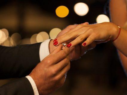 Vai pedi-la em casamento na passagem de ano? Temos 6 sugestões