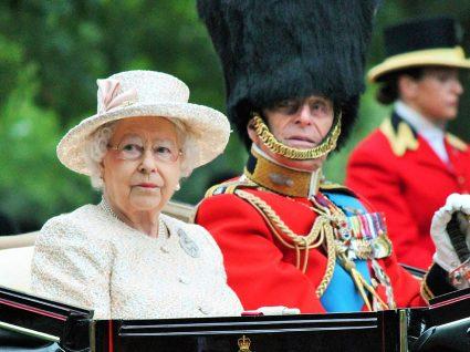Quem quer ser assistente pessoal da Rainha de Inglaterra?
