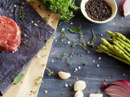 Dieta paleo: tudo o que precisa de saber