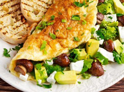 Conheça 3 receitas de omeletes de fazer crescer água na boca