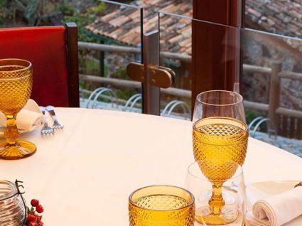 Restaurante Varanda do Casal: uma mesa recheada com vista para a Lousã