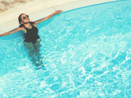 5 fatos de banho tamanho XL cheios de estilo