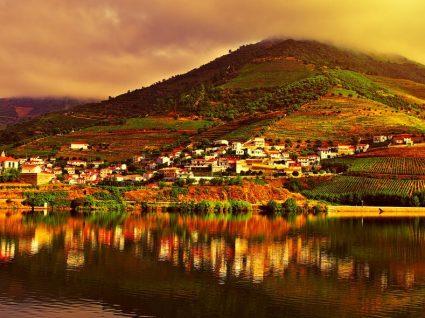 8 razões pelas quais deve fazer férias no Douro