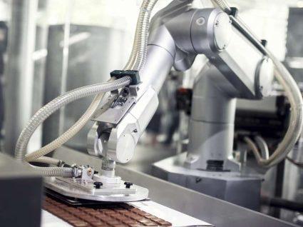 """Robots vão """"roubar"""" 6% dos empregos nos Estados Unidos até 2021"""