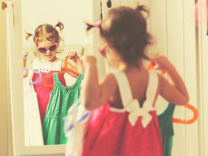 Qual roupa as crianças devem usar em festas? Revista
