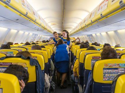 Ryanair procura assistentes de bordo em Portugal
