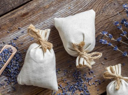Como fazer sachê perfumado para aromatizar armários e gavetas