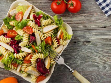 3 saladas com massa que são muito fáceis de fazer