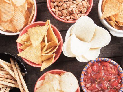 7 snacks pouco saudáveis que deve evitar