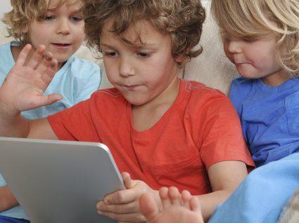 Se quer que o seu filho acredite no Pai Natal, não o deixe ir ao Google!