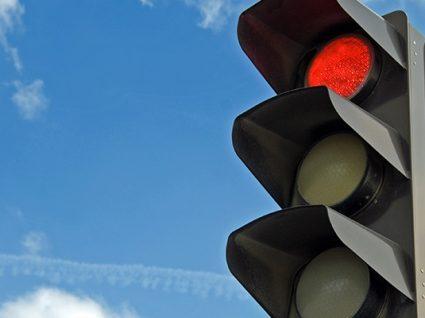 Semáforos inteligentes prometem acabar com o trânsito